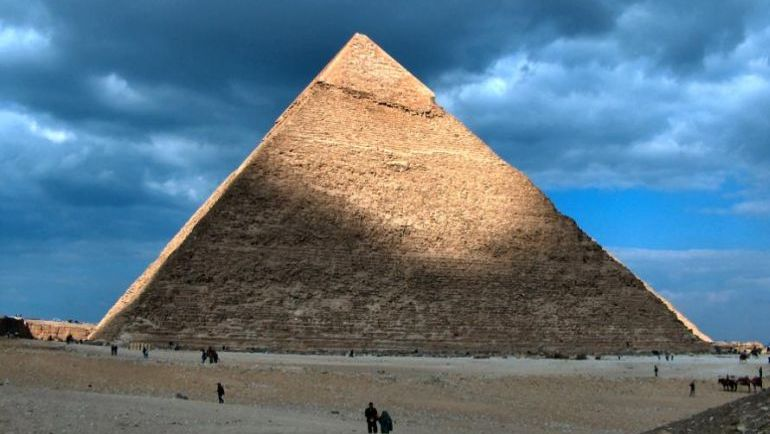 pyramid of khafre egypt