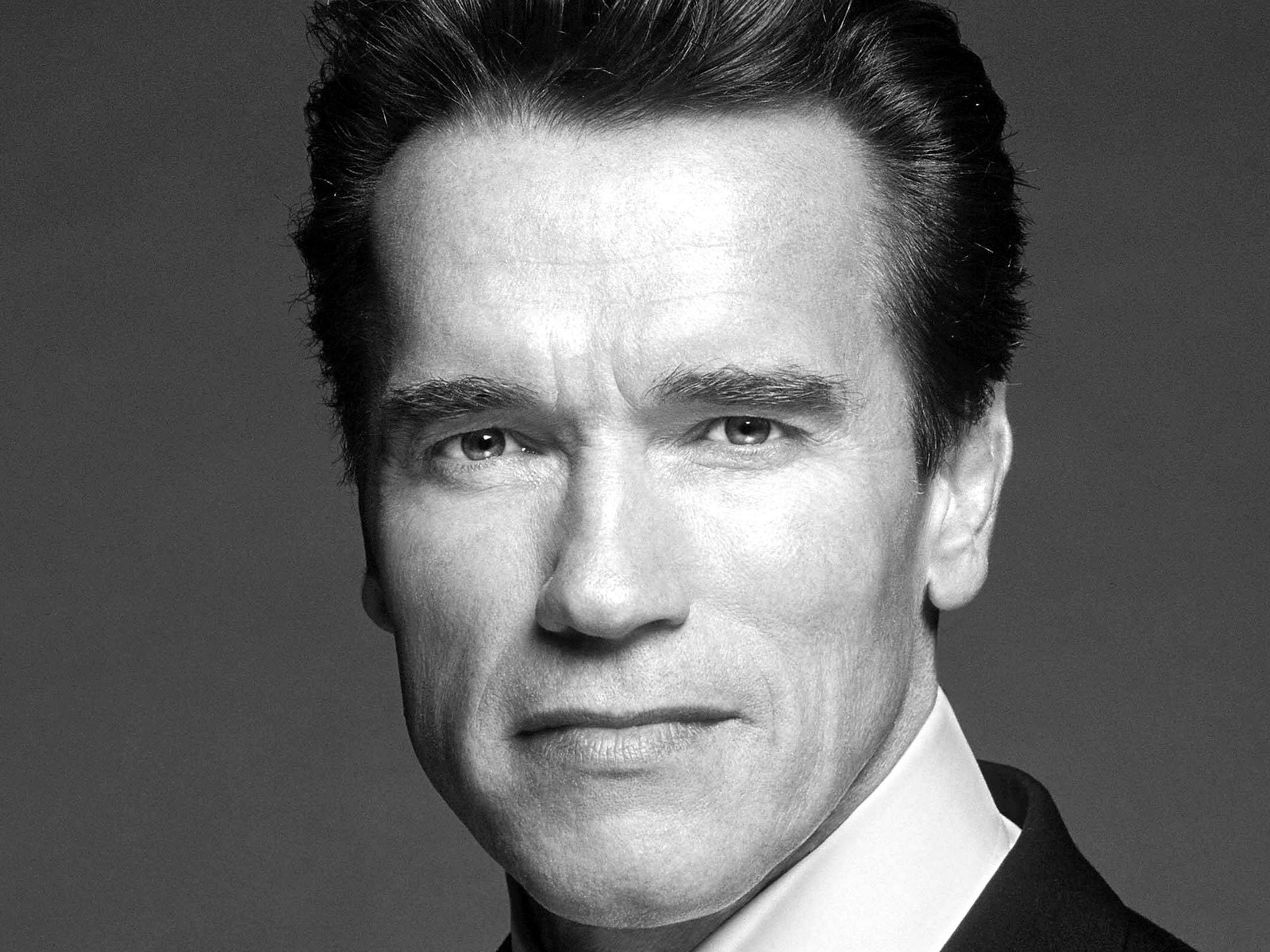 Arnold schwarzenegger face black and white