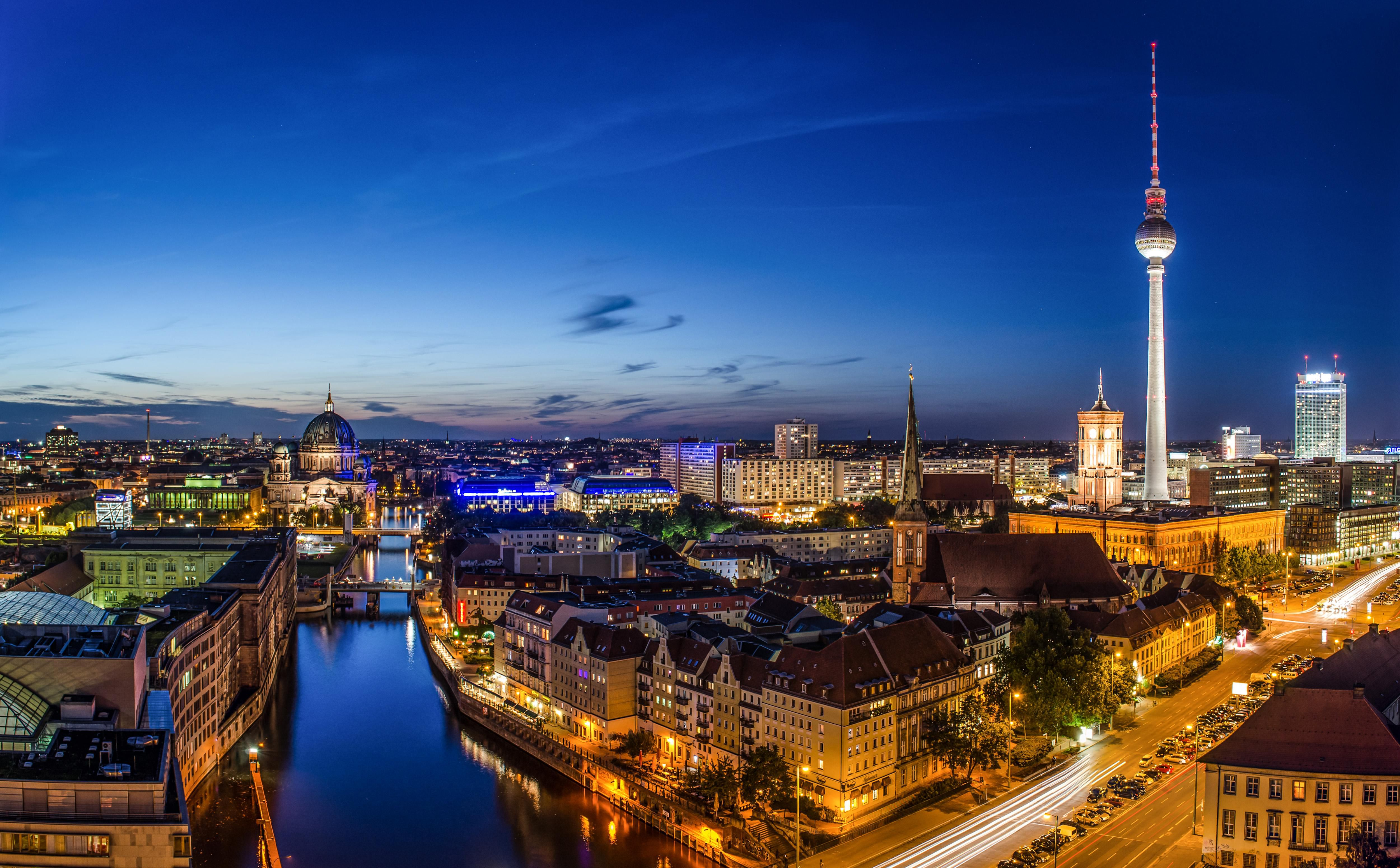 berlin capital of germany at night